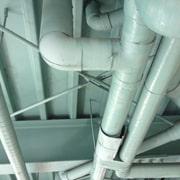 屋外排水管からの水漏れ