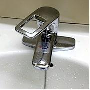 洗面蛇口のハンドル・レバーが固い